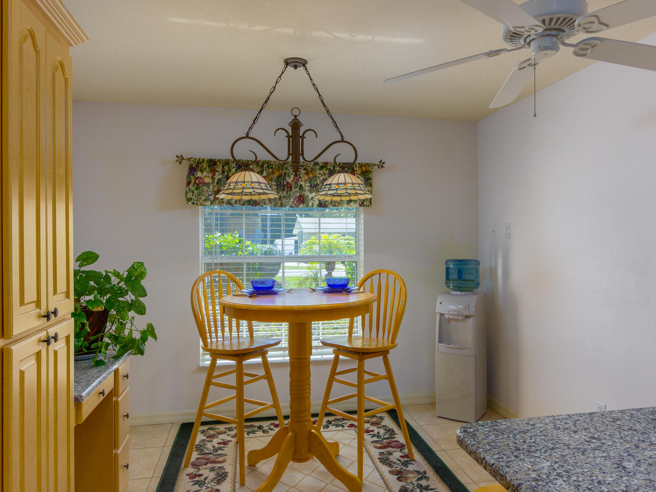 15660_SE_89th_Ct_Summerfield-large-008-28-Breakfast_Area-1334x1000-72dpi