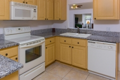 15660_SE_89th_Ct_Summerfield-large-009-20-Kitchen-1334x1000-72dpi