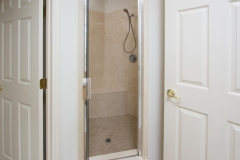 15660_SE_89th_Ct_Summerfield-large-014-33-Master_Shower-1334x1000-72dpi