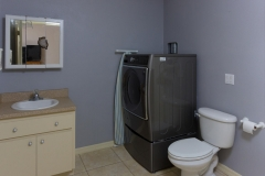 15660_SE_89th_Ct_Summerfield-large-022-29-Half_BathroomLaundry-1334x1000-72dpi