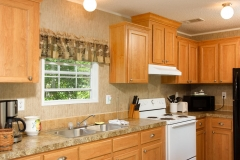 4675 SE 161st Terrace-large-009-43-4675 SE 161st Terrace Kitchen-1334x1000-72dpi