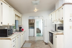 4675 SE 161st Terrace-large-028-28-4650 SE 162nd Court Kitchen-1334x1000-72dpi