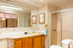 4675 SE 161st Terrace-large-033-35-4650 SE 162nd Court Ensuite-1334x1000-72dpi