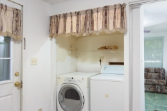 4675 SE 161st Terrace-large-038-26-4650 SE 162nd Court Laundry-1334x1000-72dpi